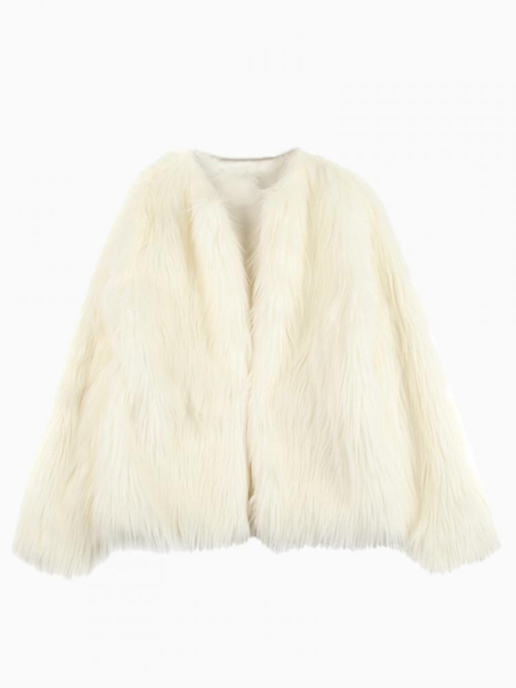 White Faux Fur Coat #jacket #winter #cute