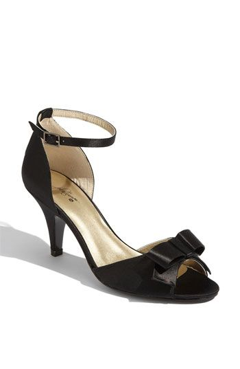 finally a cute shoe that doesn't have a ridiculous heel.