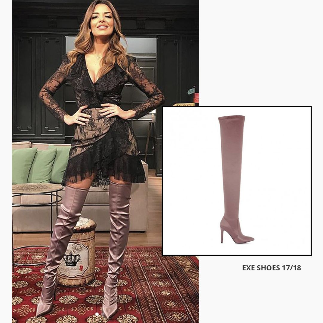 Botas elásticas altas con tacón y efecto satinado de exe shoes. Disponibles  en violeta y 7c0626da4680