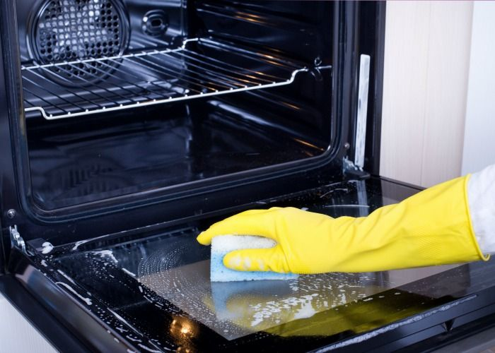 How To Clean The Oven Glass 2 Methods That Really Work Cleaning