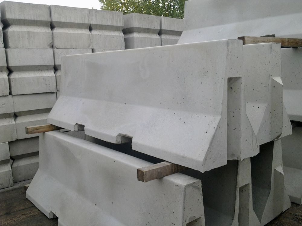 Concrete Jersey Barriers Barrier Block Gypise Gate Road