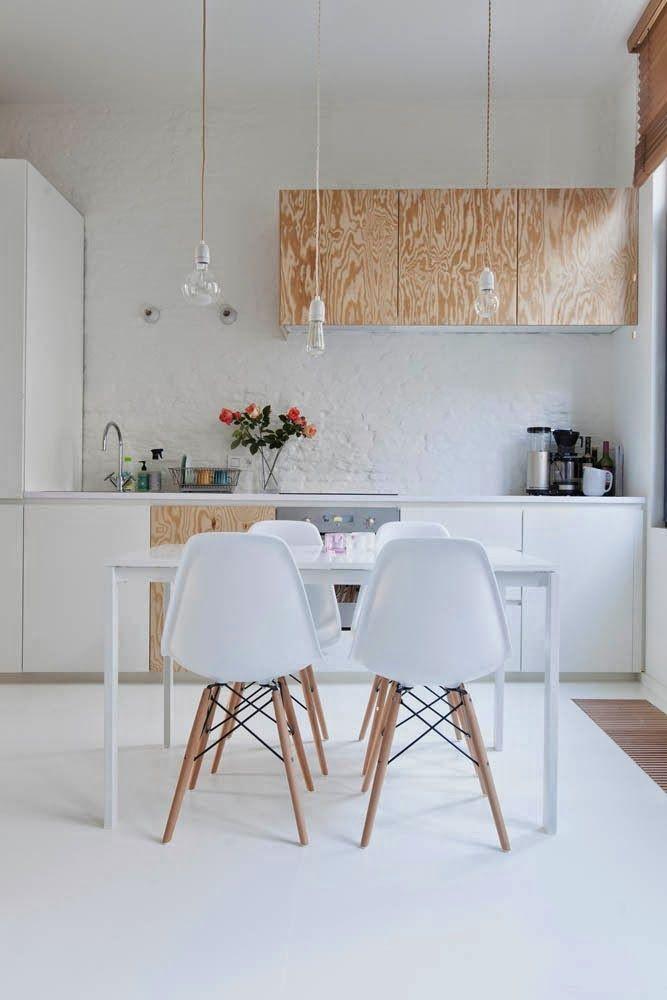 Cuisine En Blanc En Contreplaque Coin Repas Design Avec Chaises
