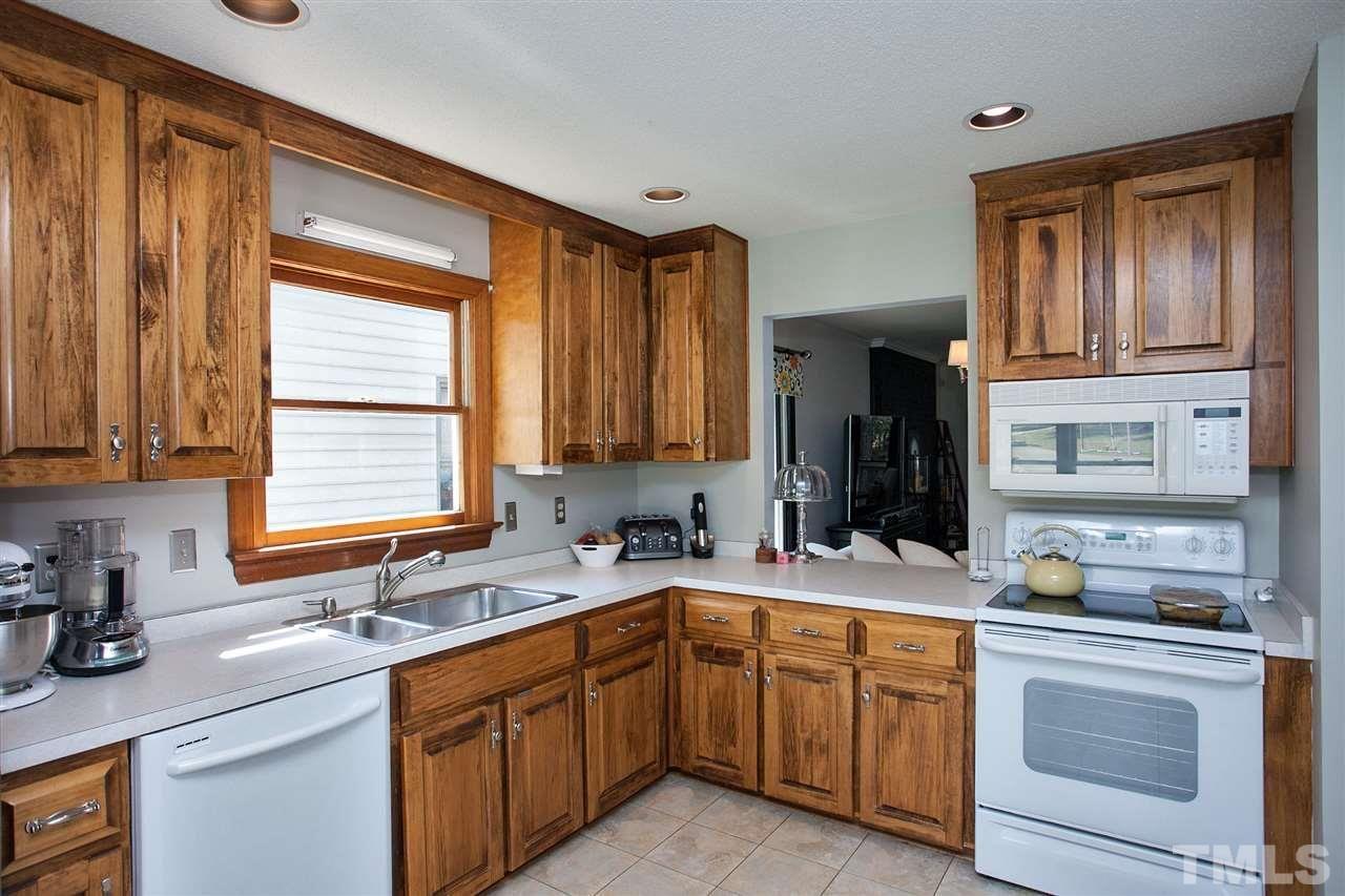104 Silver Fox Court Cary Nc Silver Fox Home Decor Kitchen Cabinets