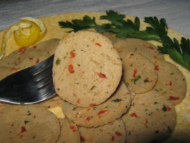 Ricetta del prosciutto vegano: Per quanto possa sembrare un controsenso, anche nella cucina vegan è possibile preparare degli 'affettati' salutari e gustosi