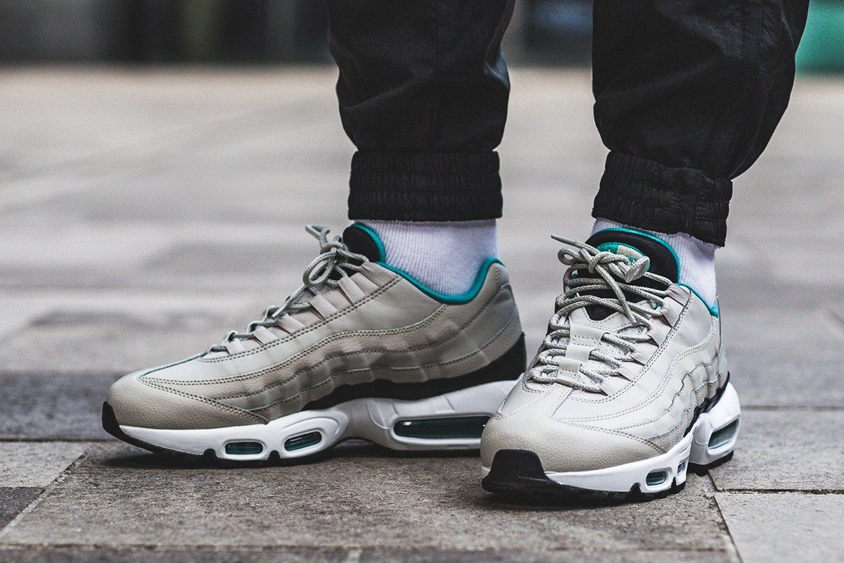 Nike Air Max 95 Essential Loyal Blue Dark Grey Light Bone | Footshop