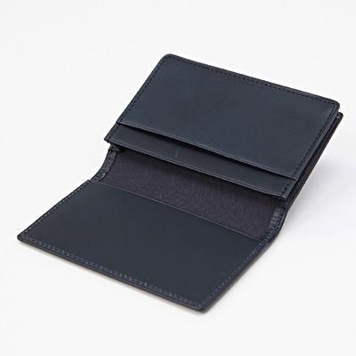 無印良品のトラベル用ウォレットに小銭とカードを入れたところ