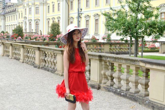 Back to the 20's - Glamour feather dress in red | Ly Hoang #citytalkly