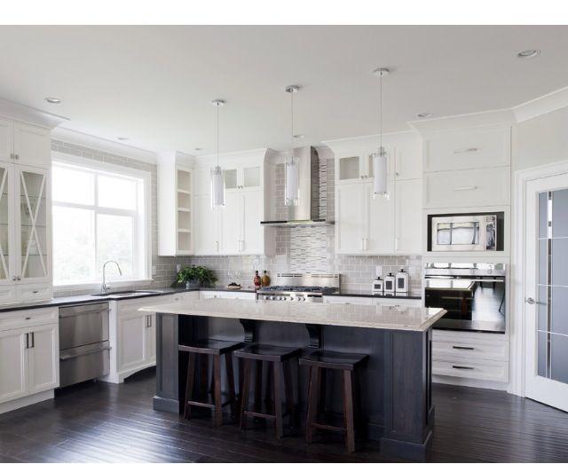Black and white kitchen!