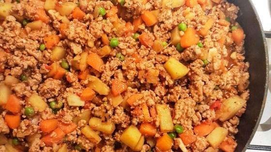 Filipino Beef Giniling Afritada Style Recipe In 2020 Beef Giniling Recipe Food Giniling Recipe