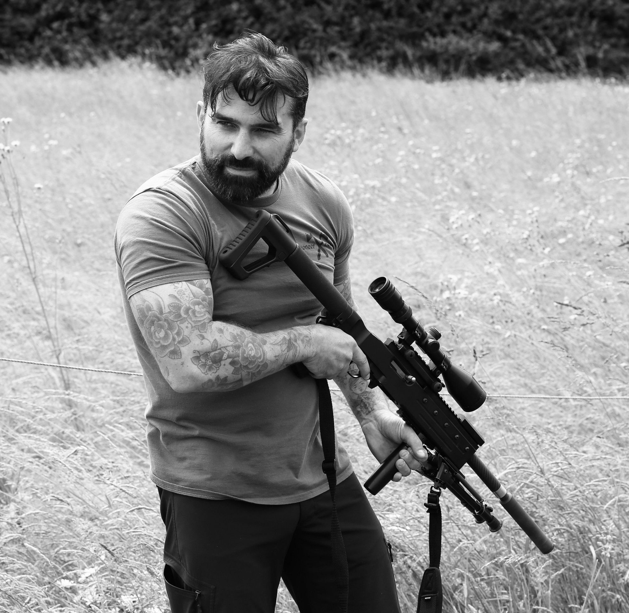 teaching rifle safety our elite sbs sas pinterest ant middleton gorgeous men and eye candy. Black Bedroom Furniture Sets. Home Design Ideas