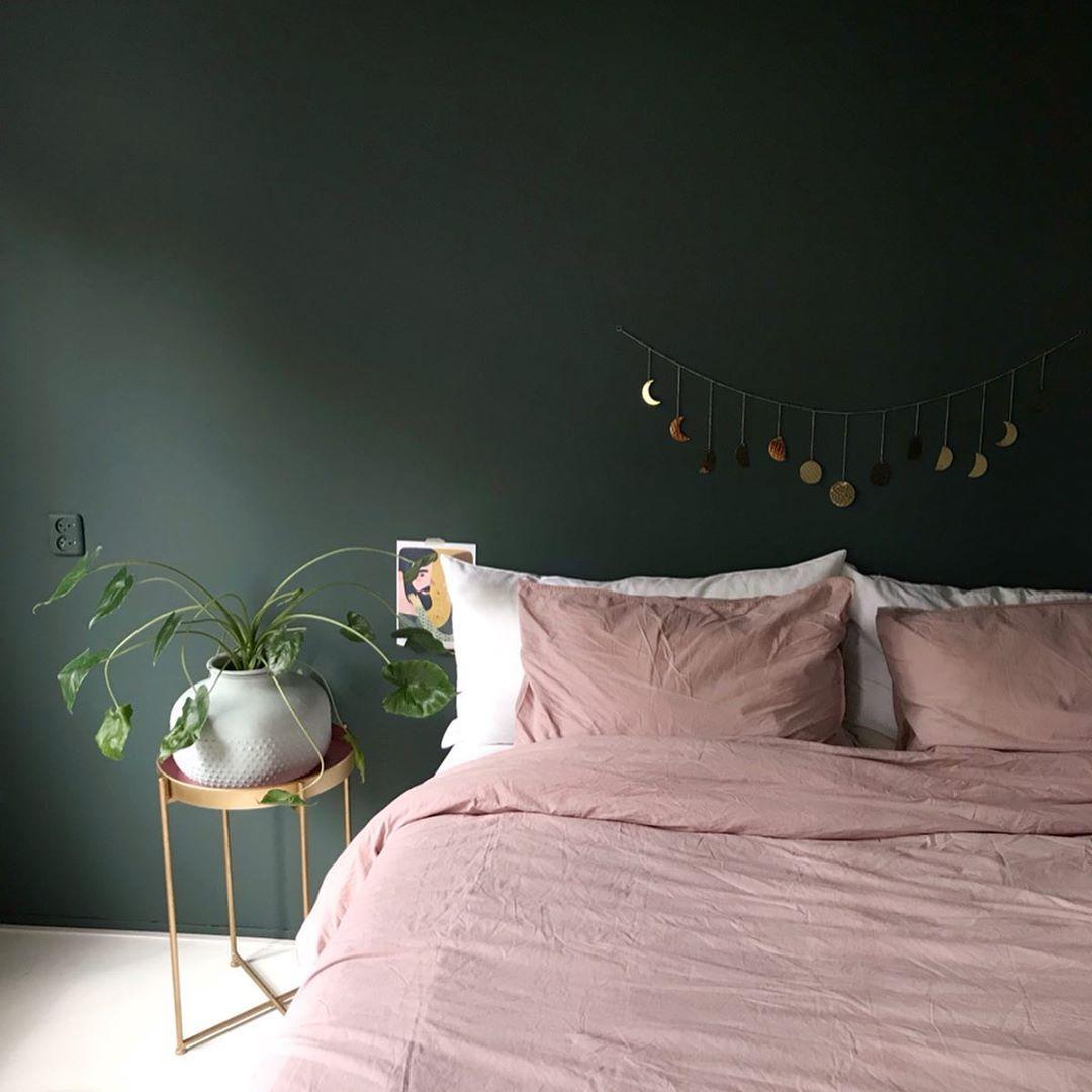 Dit miste ik echt nog in de slaapkamer; een extra kleur erbij! Groen met roze is...