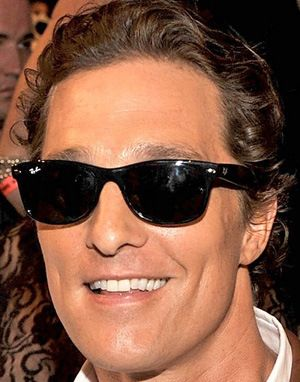 Matthew McConaughey- Ray Ban New Wayfarer RB 2132  0eefdb2c976e