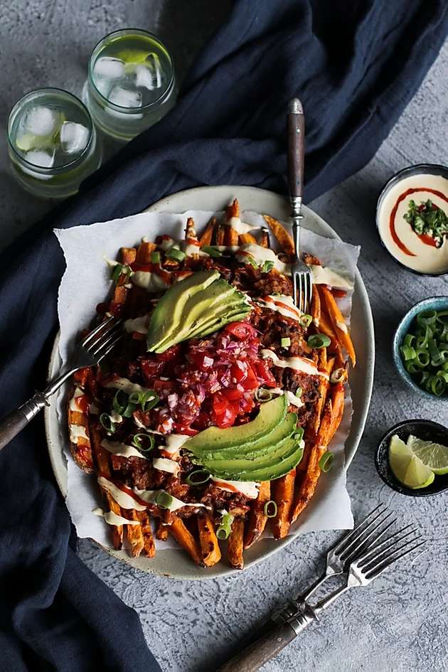 Loaded Chili Sweet Potato Fries In 2020 Loaded Sweet Potato Sweet Potato Recipes Fries Veggie Lentil Soup