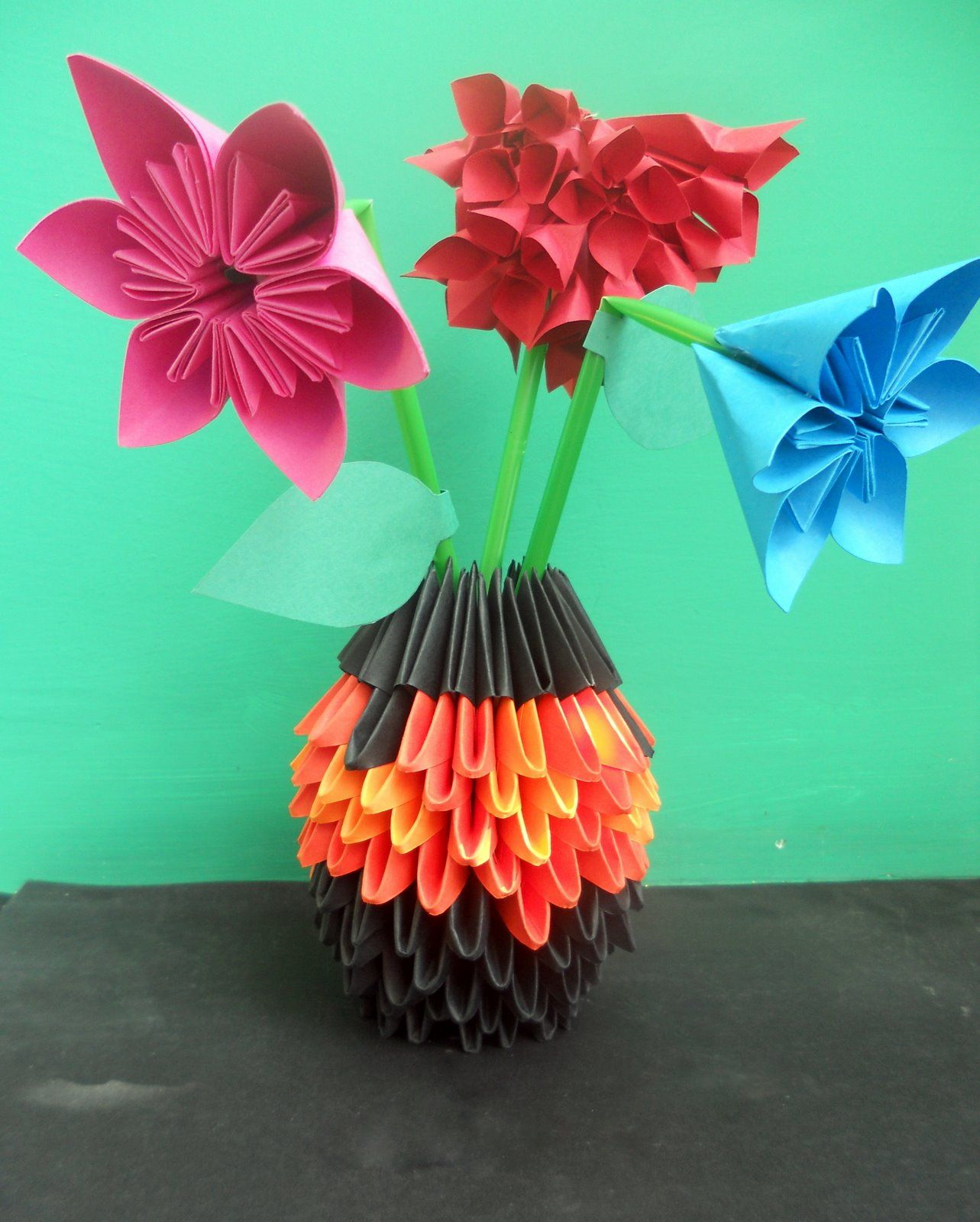 How to make a Verdi's origami vase: page 1   1600x1283