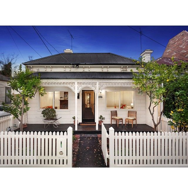 Domain Australia On Instagram Doesn T Get Much Cuter Than This Double Fronted Victorian At 376 Montague Stre Cottage Exterior Facade House Weatherboard House