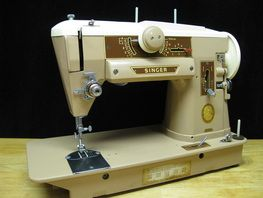 Singer Slant-o-Matic 401A  What's so great about a Slant Needle sewing machine?