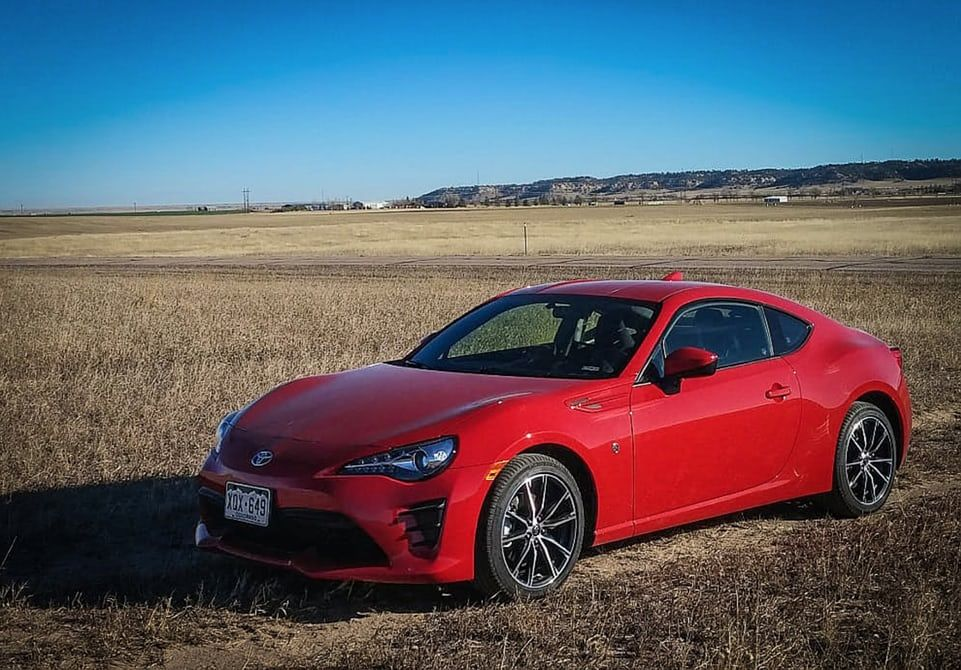 Review 2017 Toyota 86 Is Loads Of Fun Without The Price Tag Toyota 86 Toyota Car
