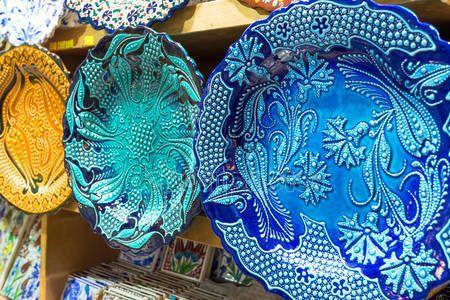 Descargar - Cerámica turca en el gran bazar de Estambul, Turquía — Imagen de stock #27757025