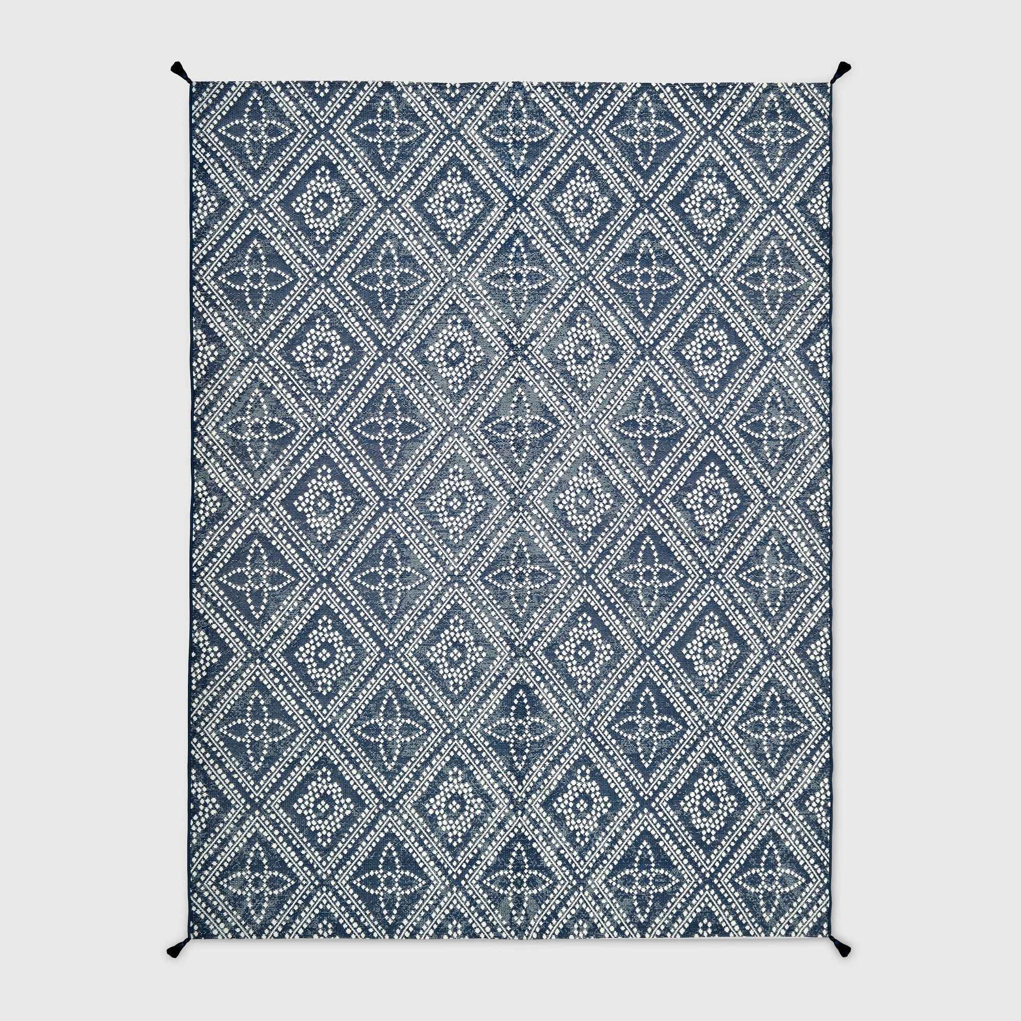 9 X 12 Dot Diamond Outdoor Rug Blue Threshold Size 9 X12 Outdoor Rugs Rugs Outside Carpet