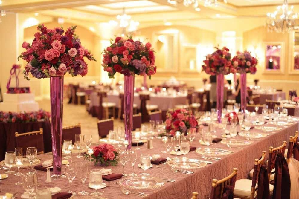 Rose Themed Wedding Centerpiece Jpg 1000 666