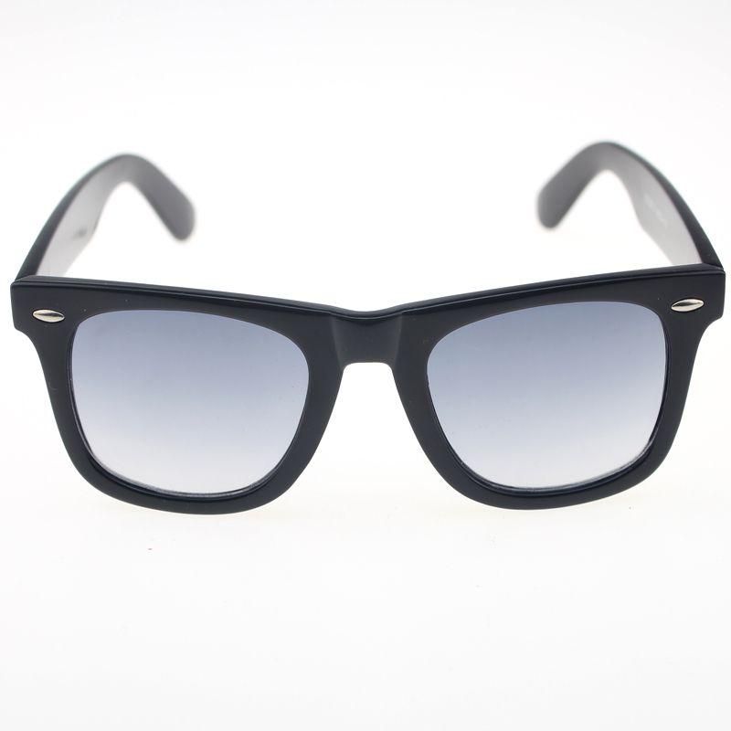 A classical retro style eyewear - Ray Ban wayfarer sunglasses