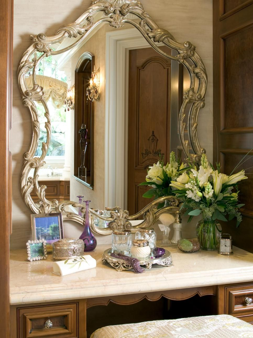 Makeup vanity dressing table awesome interiors u exteriors
