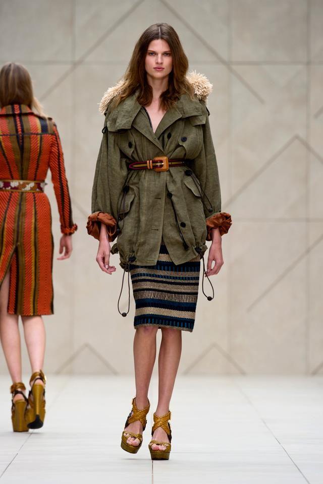 Burberry Prorsum Womenswear Spring/Summer 2012