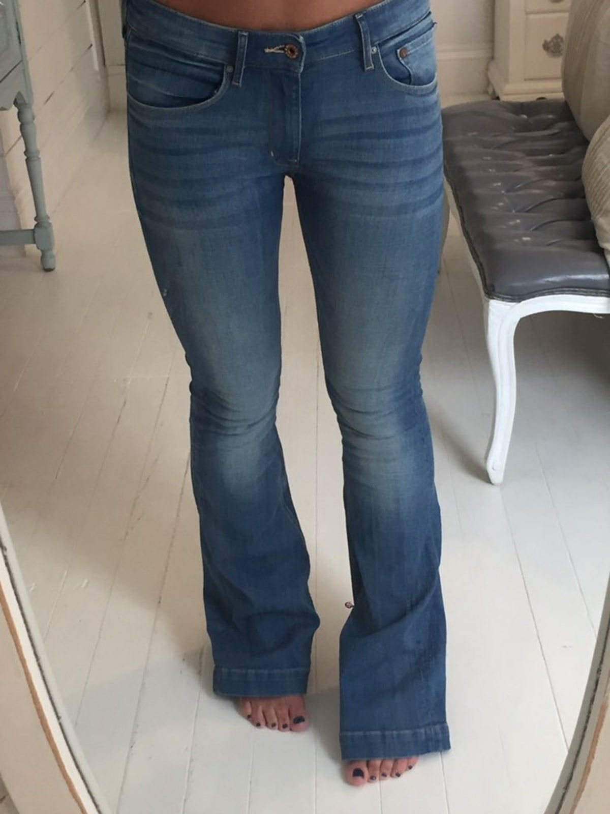 Pin By Emily Sala On Stockshow Clothes In 2020 Denim Flare Jeans Denim Flares Flare Jeans