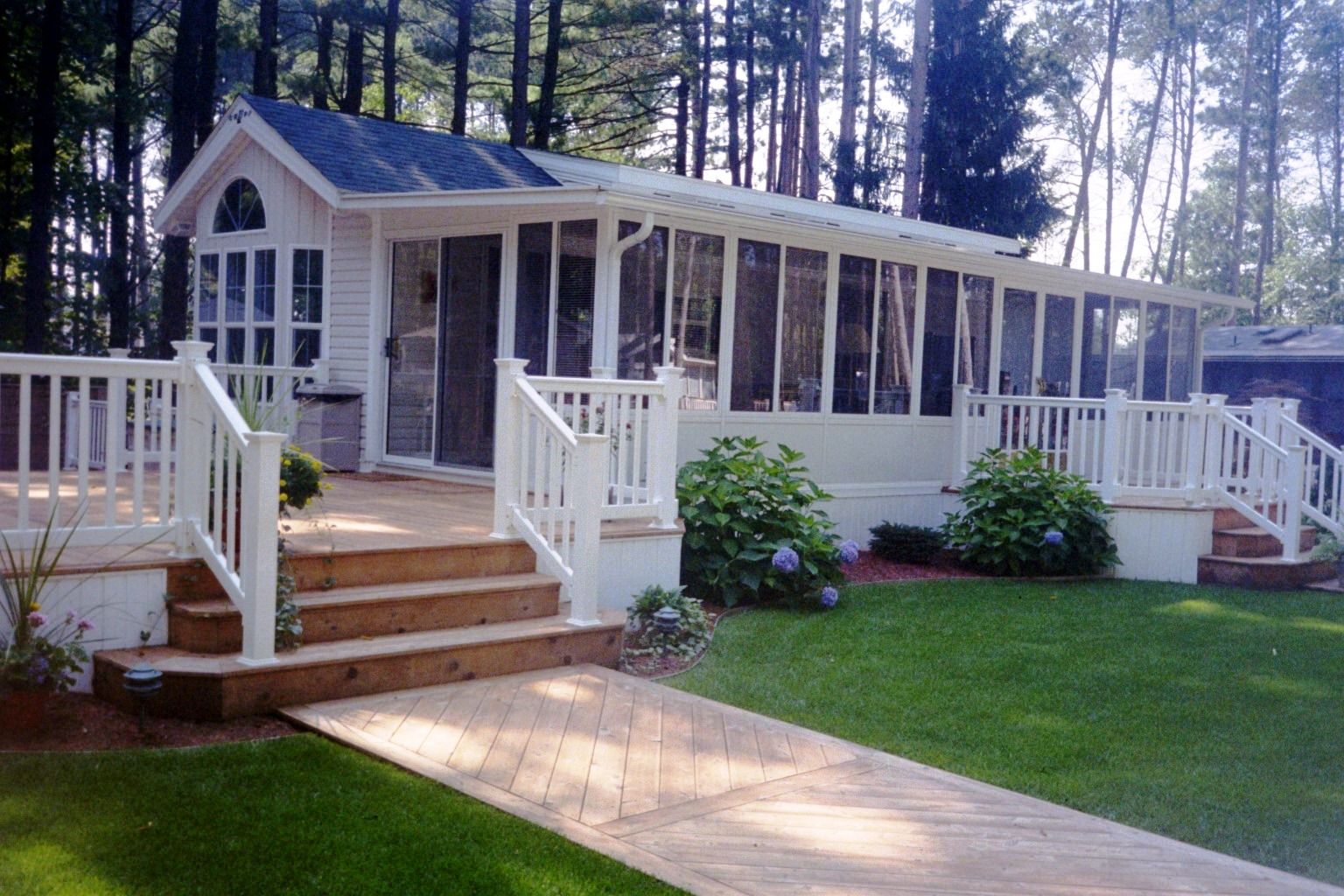 Design mobile home porch ideas mobile home living for Mobile home plans with porches