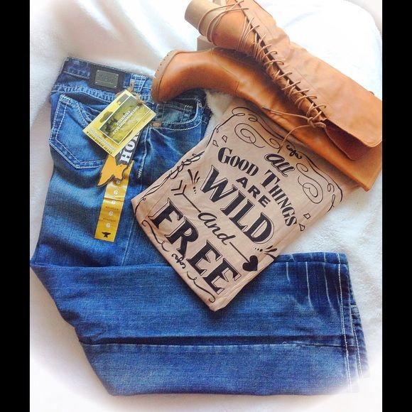 "NWT ~ Iron Horse Denim Jeans Size 6 NWT ~ Iron Horse Denim Jeans, Size 28/6, 32"" inseam, 8"" Low Rise, regular boot cut style. All denim of Iron Horse is eco-friendly (Azo Free, Nickel and Lead Free). Premium Handmade Vintage Inspired Denim. So put on that cowgirl hat and a blingy top with these fine jeans and get ready for doing The Boot Scoot Boogie! TradesPP Iron Horse Jeans Boot Cut"