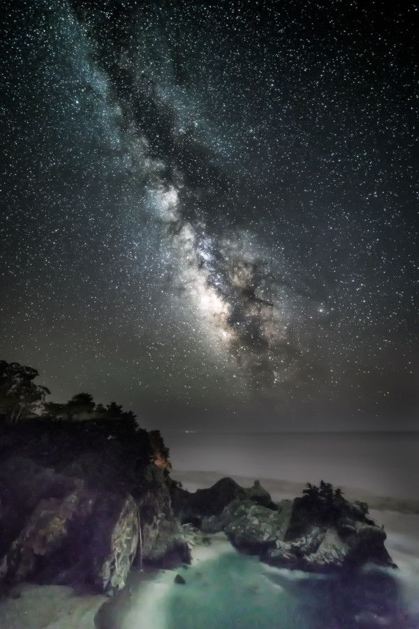 Milky way over McWay Falls by Shumon Saito on 500px