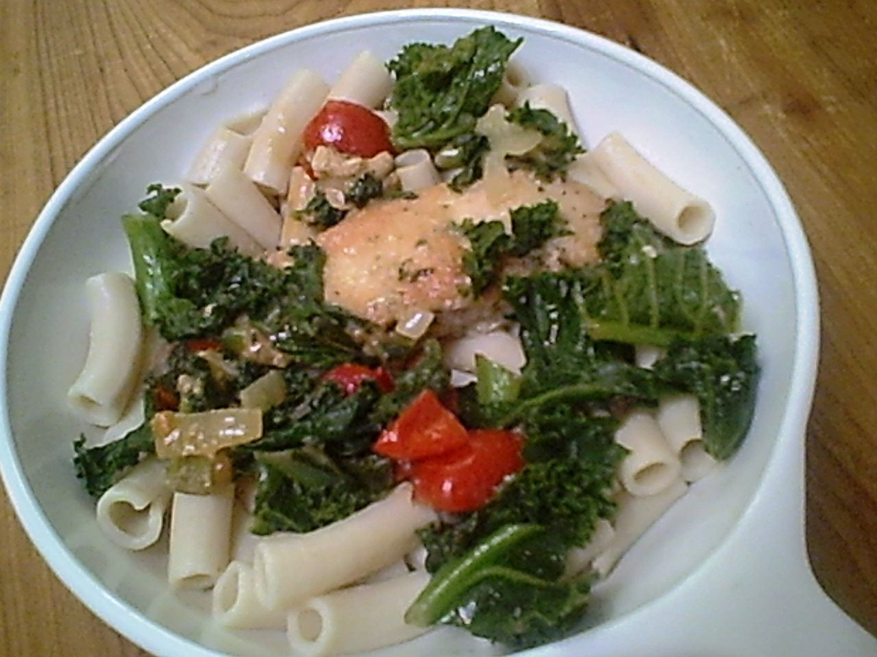 Chicken strips, red tomatoes, green kale and cream-colored pasta – I like how an easy chicken dinner can have such eye appeal. Some people who won't normally...