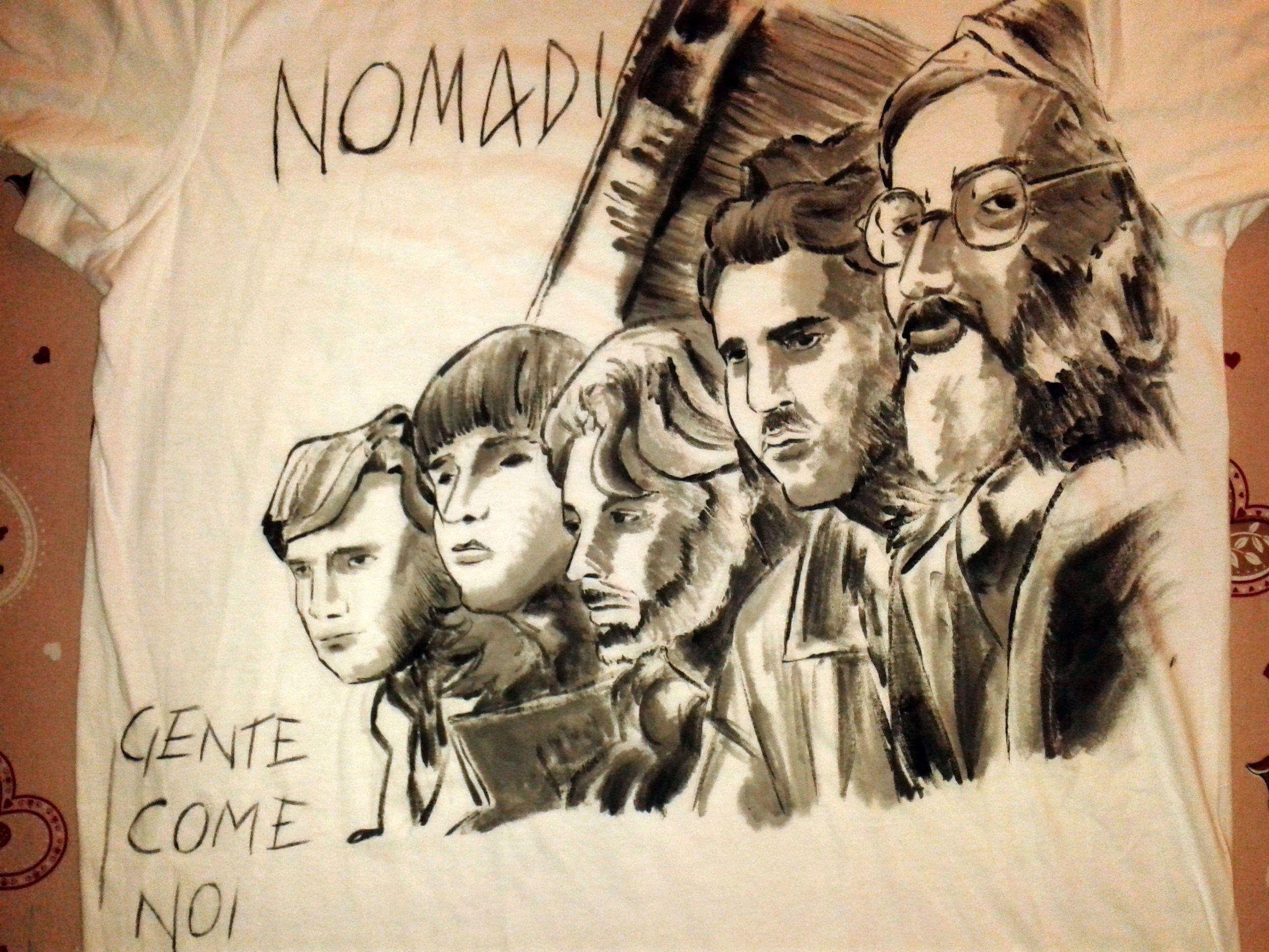 "Cover ""Gente come noi"" dei NOMADI su tshirt  #paintingontshirt #handmade #handpainted #dariodevito #nomadi #augustodaolio #maglietta #lavorosucommissione #blackandwhite #realistic #tshirt #fanart #artwork #echoesofcolors"