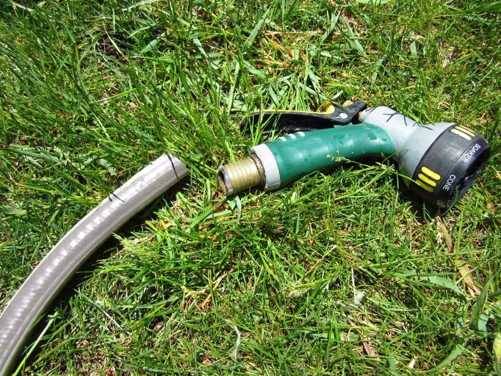 How to Remove a Nozzle Thatu0027s Stuck to a Garden Hose / MyUrbanGardenOasis & How to Remove a Nozzle Thatu0027s Stuck to a Garden Hose | Garden hose ...