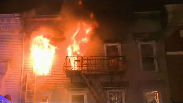 Several Families Have Been Displaced Following A 5 Alarm Fire In Jersey City Jersey City New Franklin Alarm