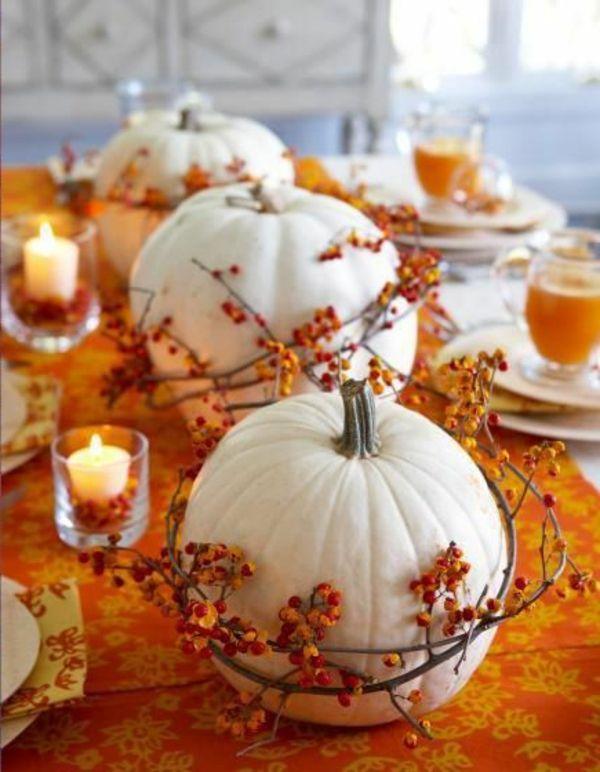 die jahreszeit der k rbisse mit kerzen dekoration orange. Black Bedroom Furniture Sets. Home Design Ideas