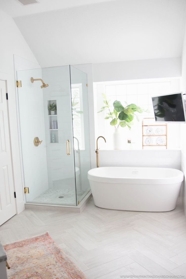 BEFORE & AFTER: MASTER BATHROOM