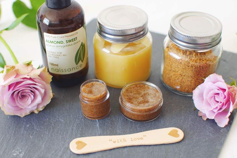 The best natural homemade lip scrub