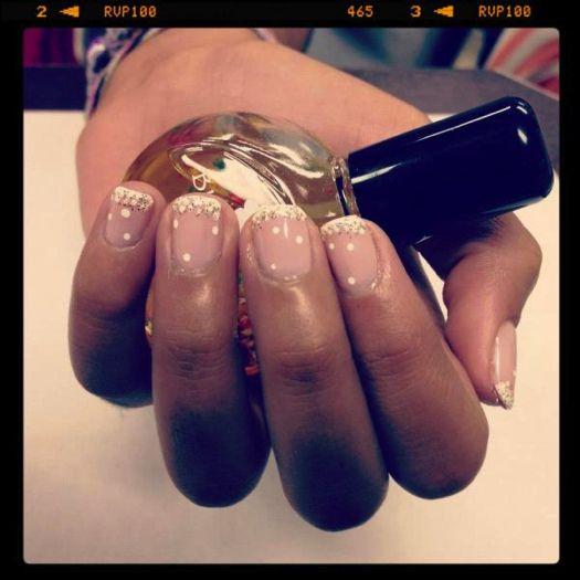pretty ombre sparkle manicure #nails