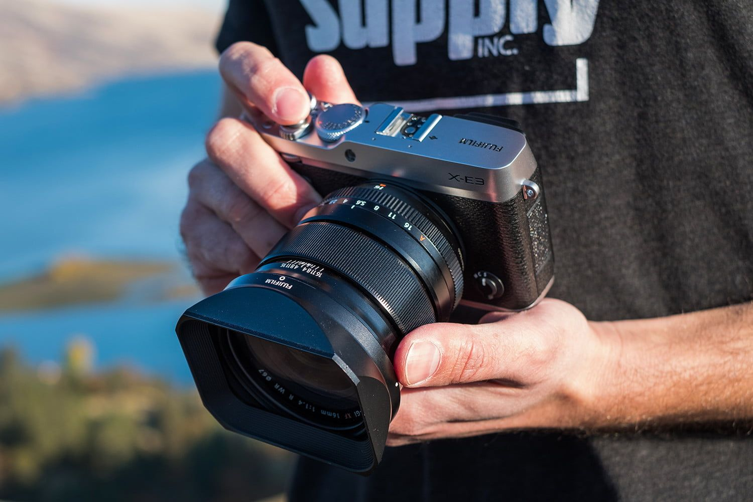 What Is A Mirrorless Camera And What Makes It Different From A Dslr Digital Trends Kamera Dslr Kamera Video