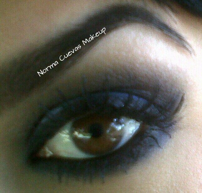 Blue Marine #Smokey #Eyes #makeup perfect for brown eyes Ojos