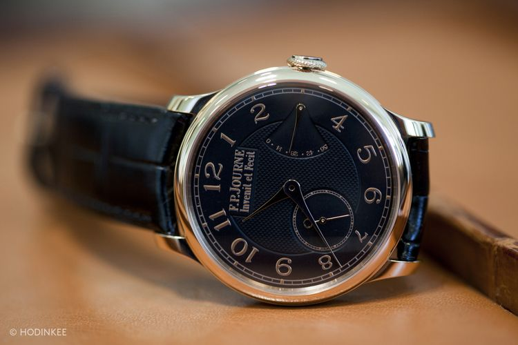 The Chronomètre Souverain with black dial is exclusive to F.P.Journe boutiques globally.