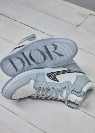 """Photo of Dior und Jordan Brand entwerfen den """"Air Dior""""-Sneaker!"""