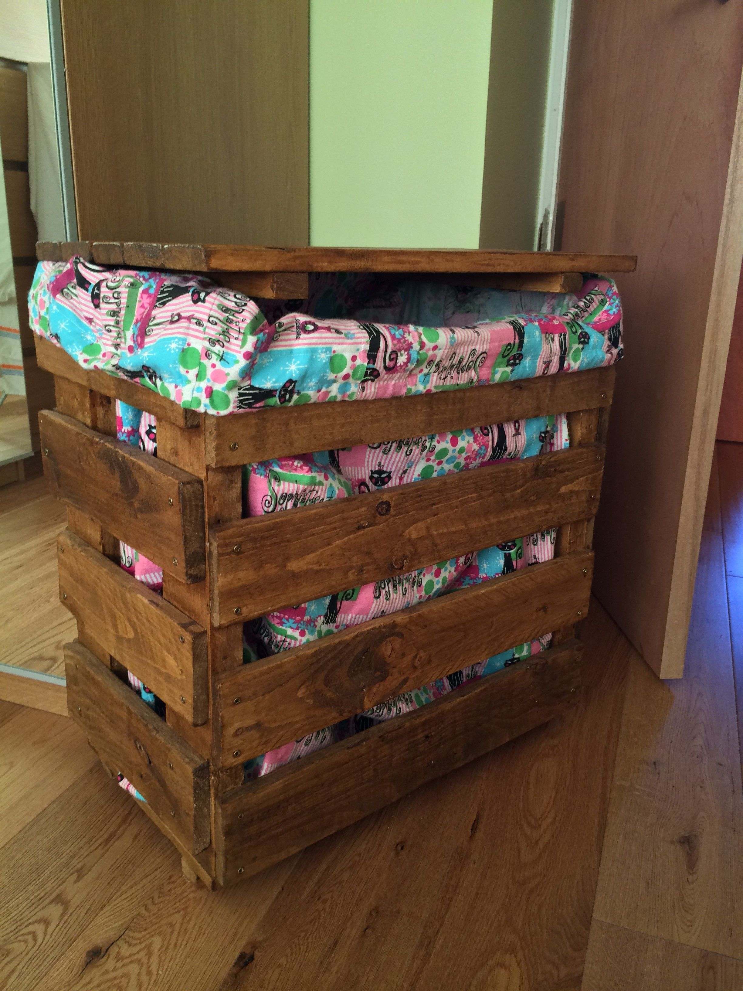 Laundry Basket Pallet Ideas