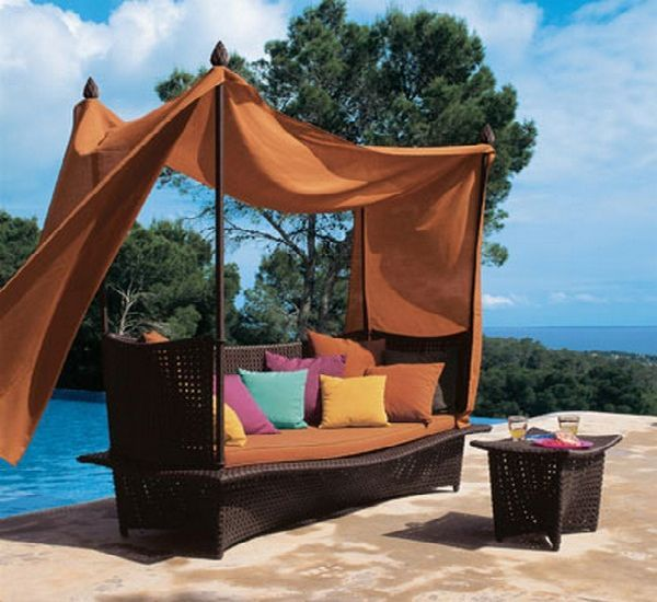 Outdoor Furniture Canopy Bed | Avant Garde Modern Homes Blog: Really Cool  Home Bar