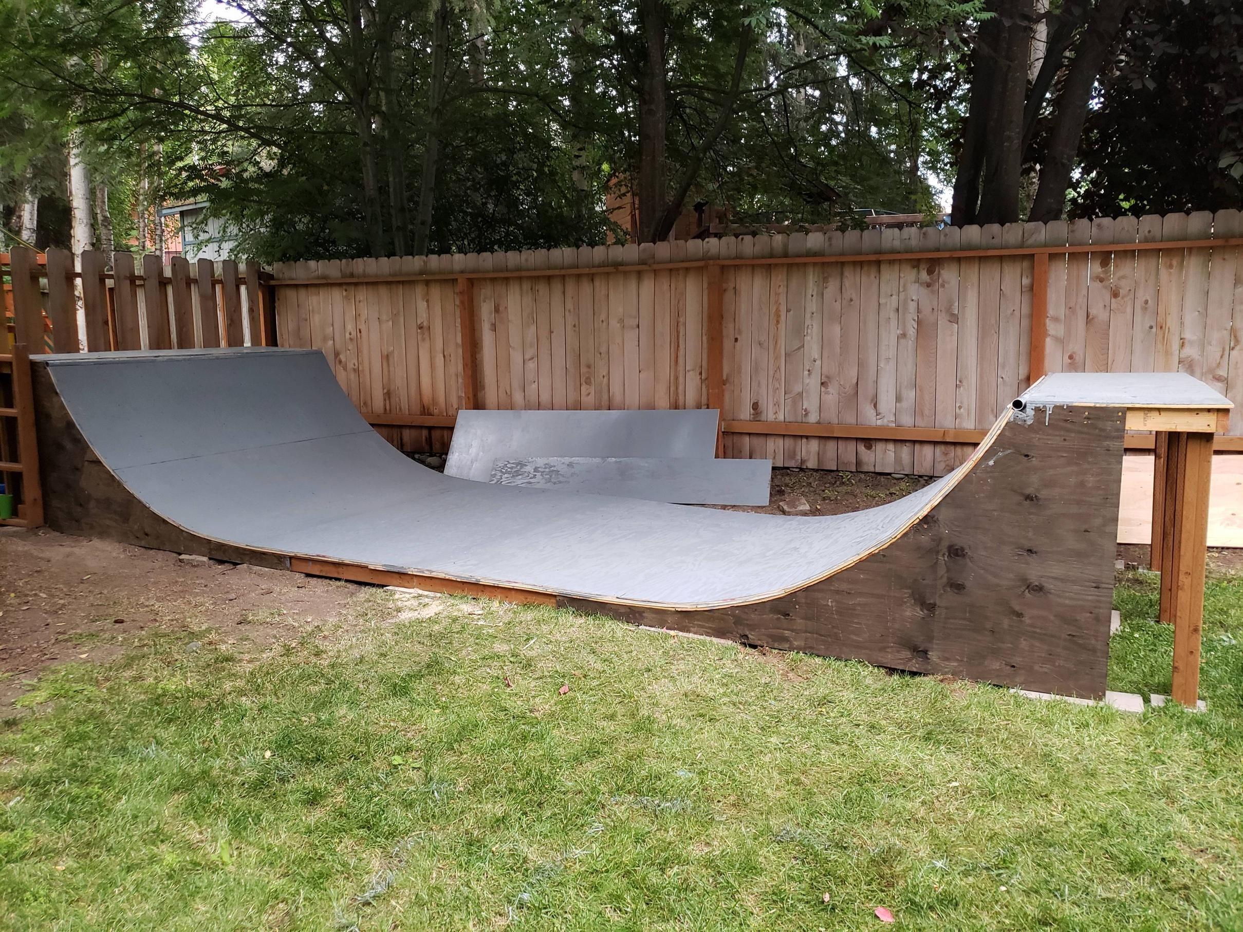 Skateboard Ramp For A Friends Kids And The Whole Neighborhood In 2021 Skateboard Ramps Backyard Skatepark Backyard Plan Backyard mini ramp plans