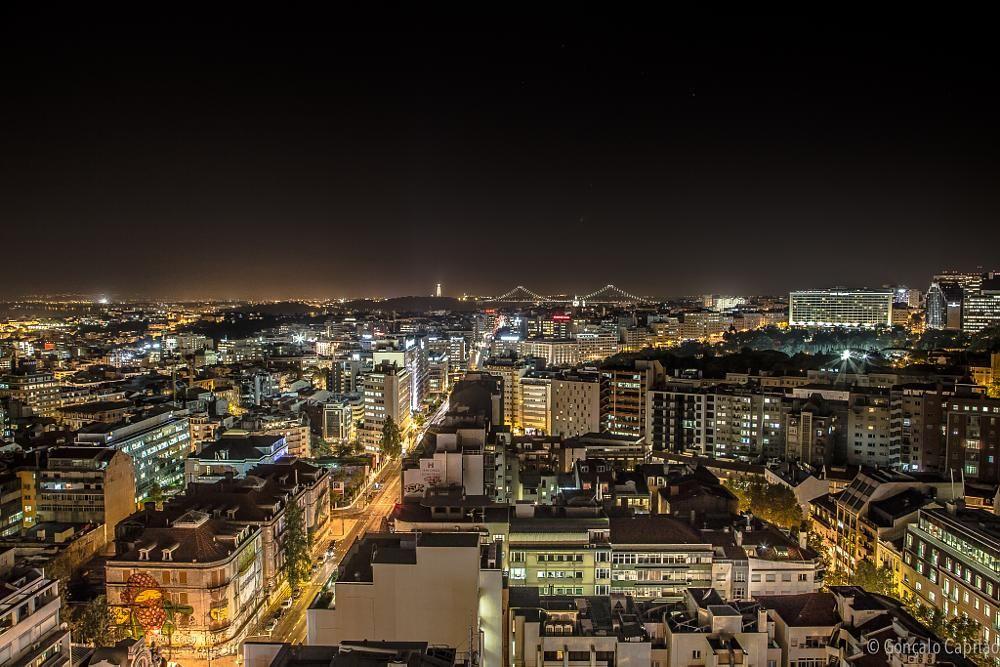 Lisbon by night by goncaloacapitao