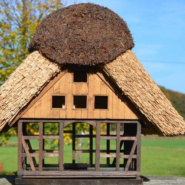 Bird House With Thatched Roof Bird House House Birds Thatched Roof