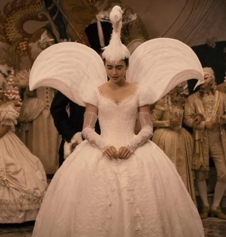 Mirror Mirror Swan Dress Would Love As Wedding Dress Without The