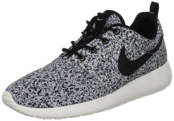 super popular 09549 d6446 Amazon.com  Nike Wmns Roshe Run Black Sail (511882-003)  Shoes